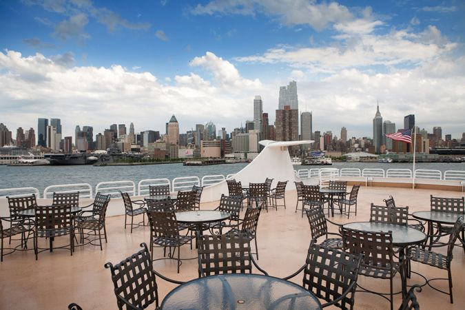 Yacht Charter in NYC with Nautical Holidays